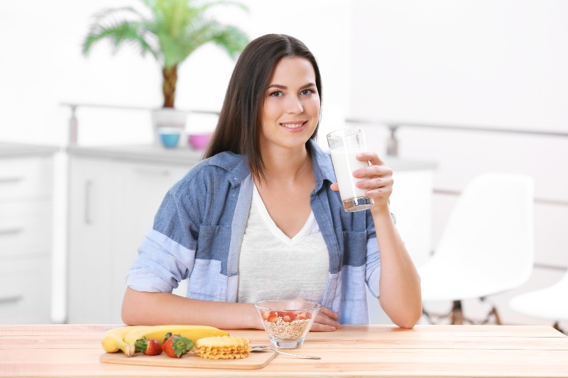 Woman with Milk   Losing Weight After 40